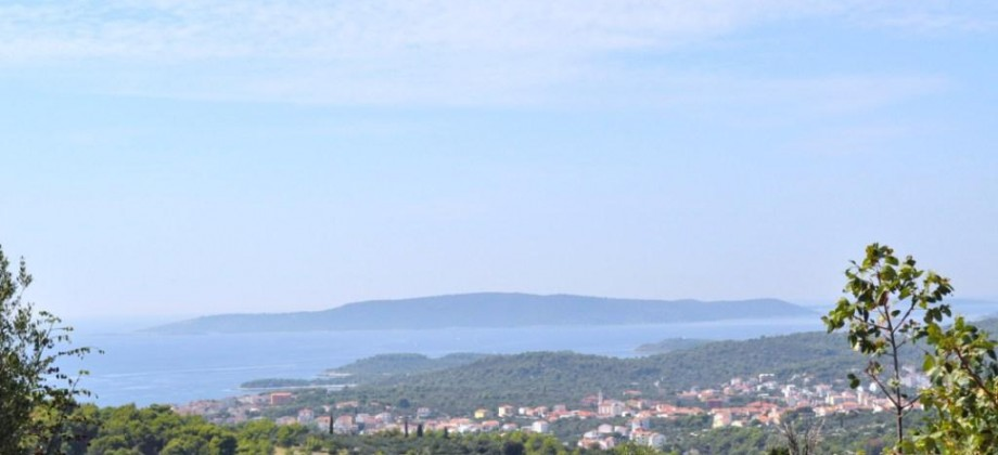 Trogir, south side of Island iovo, building land for sale