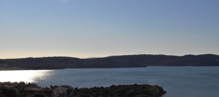 Trogir, island Ciovo. Building land of 482 m2, west orientation with beautiful open sea view