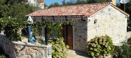 Two authentic Dalmatian stone houses with pool.