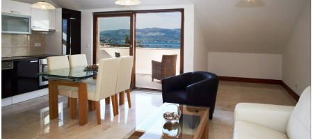 TROGIR, LUXURY ONE BEDROOM APARTMENT 150 M FROM THE BEACH
