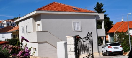 Čiovo, excelent offer! New villa 3rd line from the beach