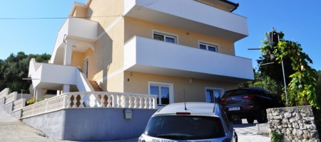 Apartment house in Mastrinka, 300 sq.m.
