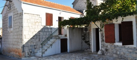 Charming stone house in center of village Okrug Gornji on Island Ciovo