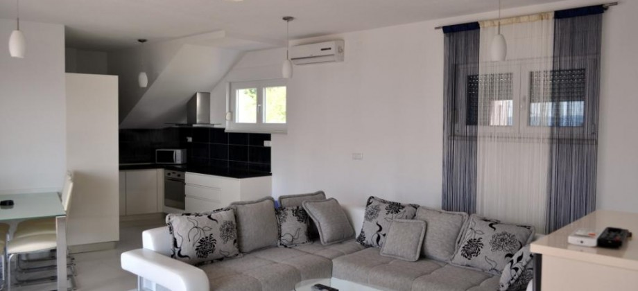 Trogir, Okrug Gornji, for sale 3 bedrooms apartment with sea view