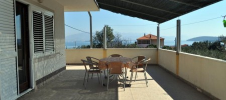 Trogir, Čiovo, apartment house for sale with sea view!