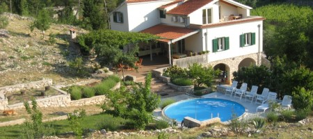 Zaton – 20 km from Krka National Park, for sale beautiful detached villa on a land plot of  8 520 sq.m.