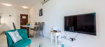 Exclusive, fully equipped apartment on south side of Island Čiovo