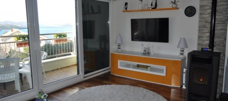 Duplex apartment with private garage and amazing sea view