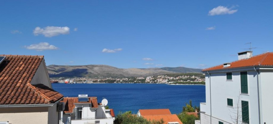 One bedroom apartment 150m from the beach