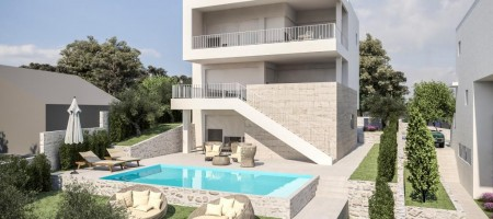 Modern villa with pool, 2nd row from the sea