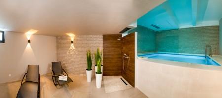 Luxury villa 2. Row from the sea