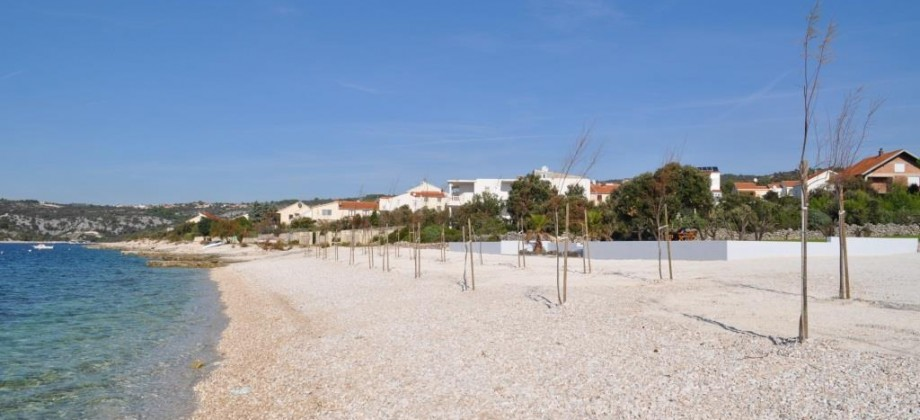 Attractive building land plot on the beach