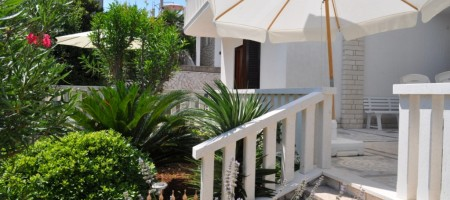 Beautiful villa for sale 2nd row from the sea