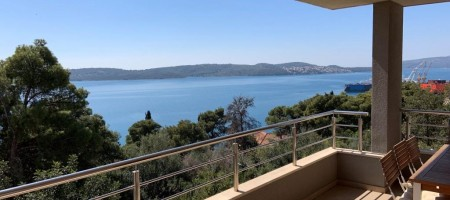 Beautiful apartment with view in Trogir