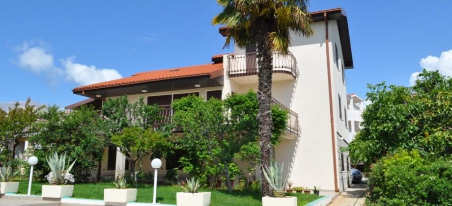 Čiovo, beautiful villa with pool on a plot of 1200 sq.m.