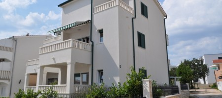 Two bedroom apartment 3rd line from the sea