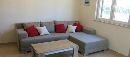 Trogir – Okrug, comfortable flat 60 m from beach