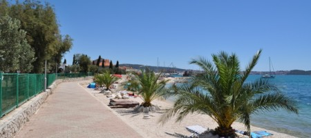 NEW! Apartments with spacious terrace and sea view, 100 m from the beach