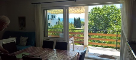 House with amazing sea view, 70 m from the beach