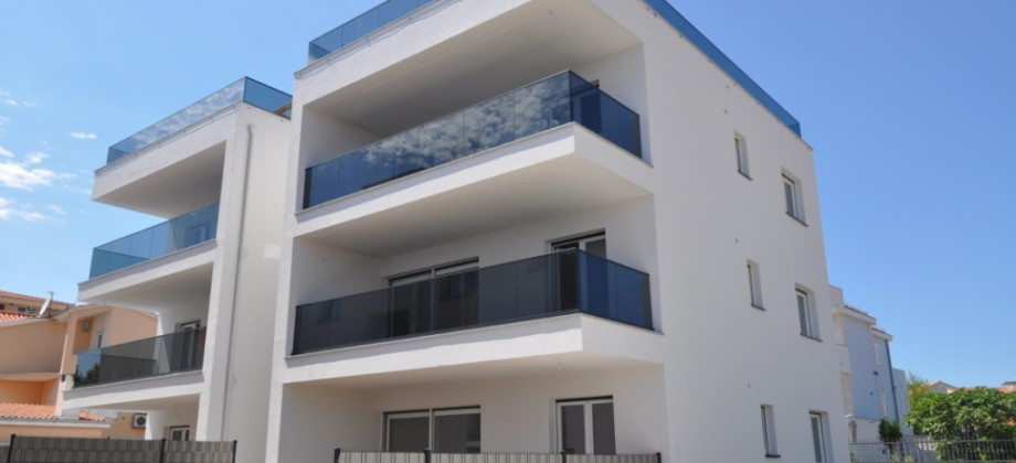 New! Two bedroom flat, 150 m from beach