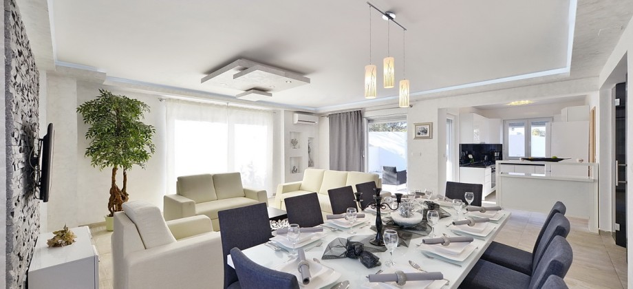 Modern vila for sale, 70 m from the beach