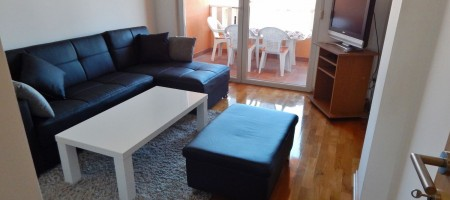 Two bedroom apartment with garage, 150 m from the beach