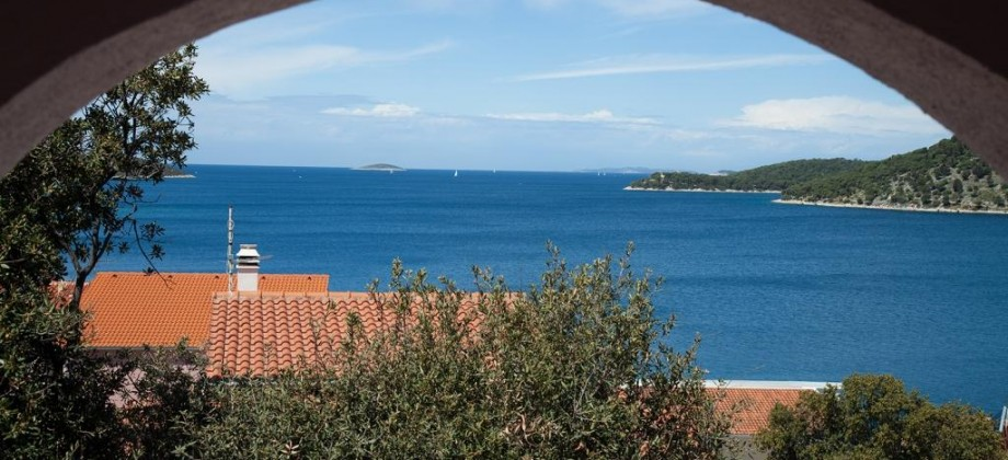 Rogoznica detached house for sale with a beautiful sea view!