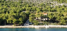 Island Kaprije, house first row to the sea with a large garden