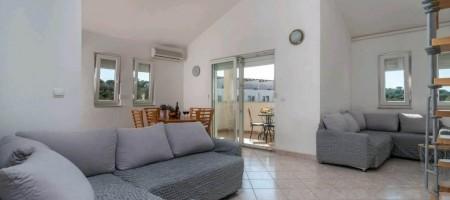 Čiovo, Okrug Gornji, two-bedroom apartment 200 meters from the sea